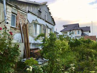 Дом в Костюженах, 6,5 соток земли. Не дача, есть кадастровый номер - 28500 евро.