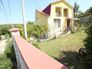 Отличный просторный дом, вблизи Кишинева, индивидуальный дизайн, приемлемая цена! Можно в кредит!