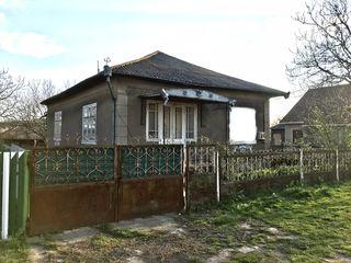 Casa în falesti