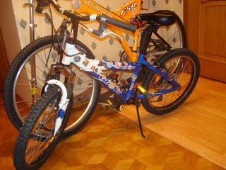 Продам велосипед Giant колеса 20 дюймовые, Хороший дорожный велосипед Elios city life рама лёгкая ал