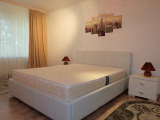 Chirie centru 2 dormitoare + living cu bucatarie., zona Atrium.,