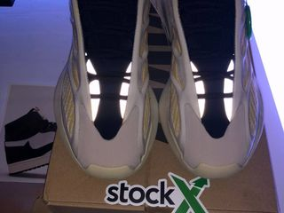 Adidas yeezy boost 700 v3 safflower ! оригинал !