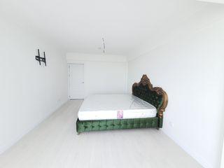 Un apartament de lux într-un bloc de elita, design unic!!! 3 ODAI plus hol mare = 105 m2, 95 500 €