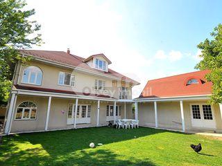 Casă în 2 nivele + 2 terase, 174 mp, Cricova, 550 €!