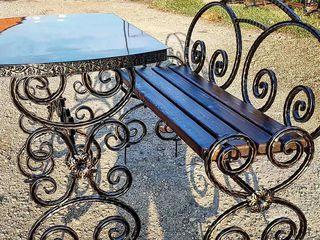 Mese si scaune din metal, metal combinat cu lemn de la producator.