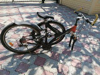 Vînd 2 biciclete   1500 de lei o bicicleta