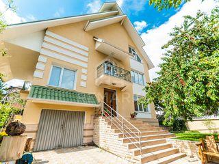 Vânzare, casă, 270 mp, 6 ari, centru, 309000 €