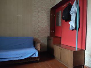 """Продам отдельную комнату в здании """"бывшего"""" общежития."""