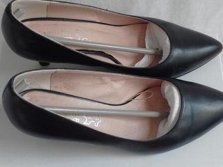Pantofi din piele ca noi