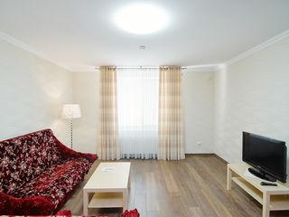 Chirie apartament cu 2 camere, bloc nou, Reconscivil, 70 m2, Buiucani, str. Alba Iulia