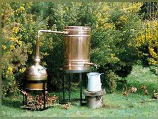 Rachiu de casa  Natural 60 Lei litru, din tescovina de struguri 50%