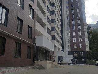 Chirie, spațiu comercial, Centru, 420 mp, 10 €/mp