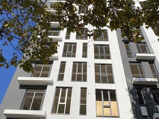 Se vinde apartament cu 2 camere + living
