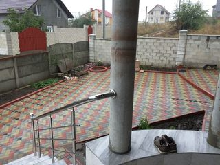 Casa cu 2 nivele !!! mun. Chisinau, sect. Botanica, or. Singera
