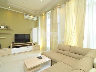 Apartament de lux cu 3 camere, Centru, str. Columna, 1450 € !
