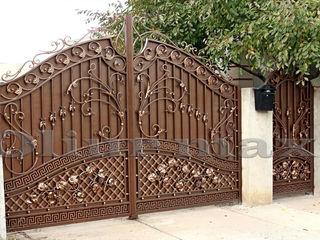 Козырьки, ворота,  решётки, заборы,металлические двери  и другие изделия из металла.