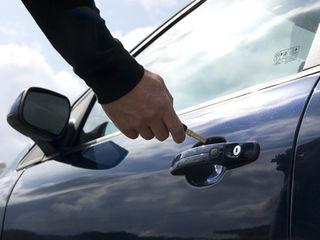 Deblocarea lacatelor, masinilor, orice marca, profesional. Вскрытие замков, дверей машин, сейфов.