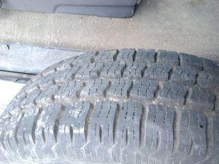 Продам новые шины вместе с дисками  от армейского пикапа 9.5 r16.5