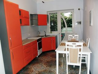 Casa in chirie la telecentru, 3 odai -   450 euro