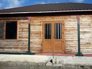 Продаю деревянный дом 8м на 10 метров переносной .