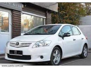 Best Toyota Auris inchirieri auto