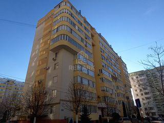 Se vinde apartament cu 3 camere, str. Alba Iulia  84900 €