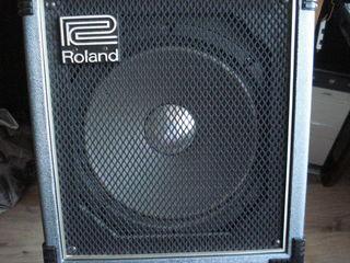 комбоусилитель Roland