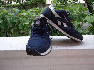 Продаются кроссовки  41 размер Reebok
