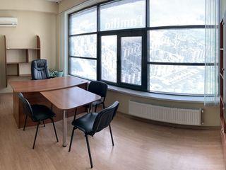 oficiu mobilat,centru, prima linie, 125 m2, str. Petru Rares 9 euro/m2