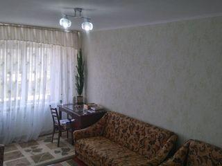 Vind apartament cu 1 odaie .Bd.Moscova