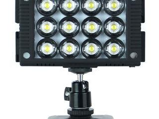 Профессиональный 12-светодиодный осветитель.