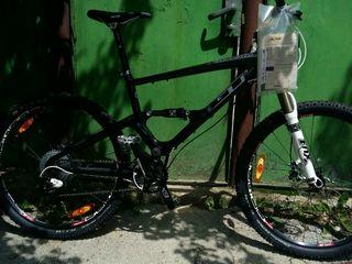 La aciasta bicicleta se da incaltamintia ori pedale cadou