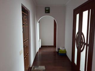 Se vinde apartament cu 2 camere in leova