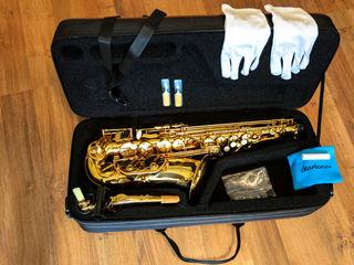 Saxofon foarte bun pentru elevi/studenți + cadou!