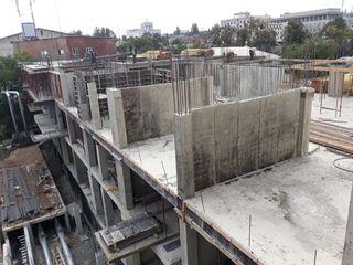 Construim  blocuri locative ,case particulare