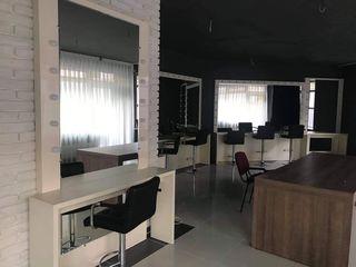 Mobilier salon de frumusete ,studiou , scoala coafor sau make-up etc.