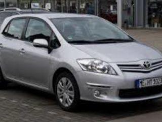 Auris Toyota 2012 Pret bun chirie auto