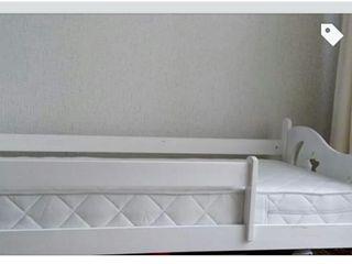 Vând pat pentru copii