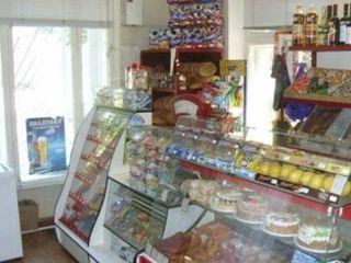 Срочно продается продовольственный магазин в Бендерах с оборудованием!
