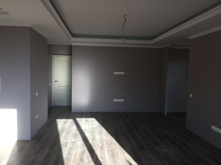 Apartament 91mp! Ialoveni!