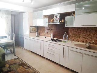 Urgent! 2 odăi living+bucătărie,82mp,et 5, totul necesar pentru un trai confortabil!