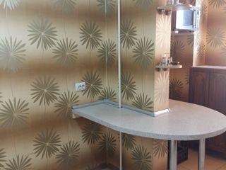 3-комнатная.80 кв.м.+лоджия/кладовка- 5 кв.м.Автаномка.двухсторонняя.полное внешнее утепление.