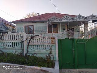 Se vinde casă cu suprafața de 110 mp + teren aferent 4,5 ari! Orhei