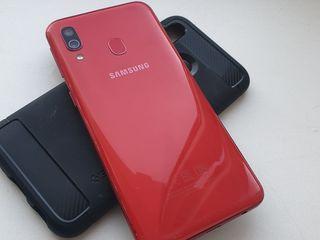 Samsung Galaxy A40 Red 4/64 Gb -1950 lei