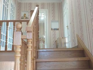 Продается 2-х этажный дом 10х13м плюс цокольный этаж.В районе Русского лицея.Участок-15,48 сотки.