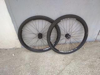 колёса Bontrager 26 дисковые + скаты слики (road) в подарок