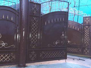 Ворота, заборы, перила, решётки , козырьки, лестницы.художественная ковка.