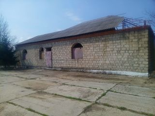 Усадьба для души и отдыха, территория 11га. с постройками и озерами.