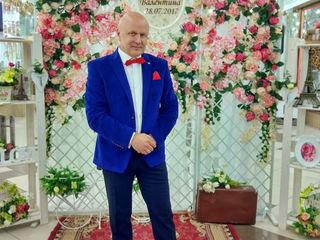 Веселый и оригинальный ведущий Владимир Б. Дешевле, чем крутые, но круче, чем простые!!!
