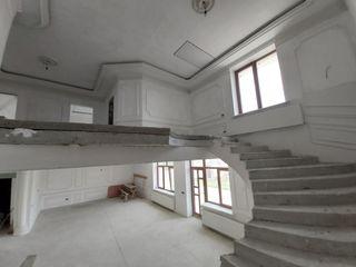Vinzare casa cu design individual!